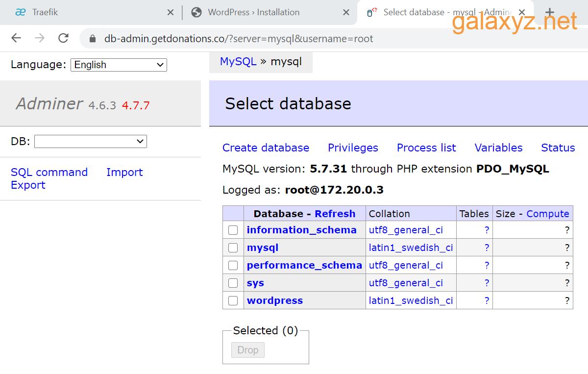 Adminer được kết nối với database  MySQL